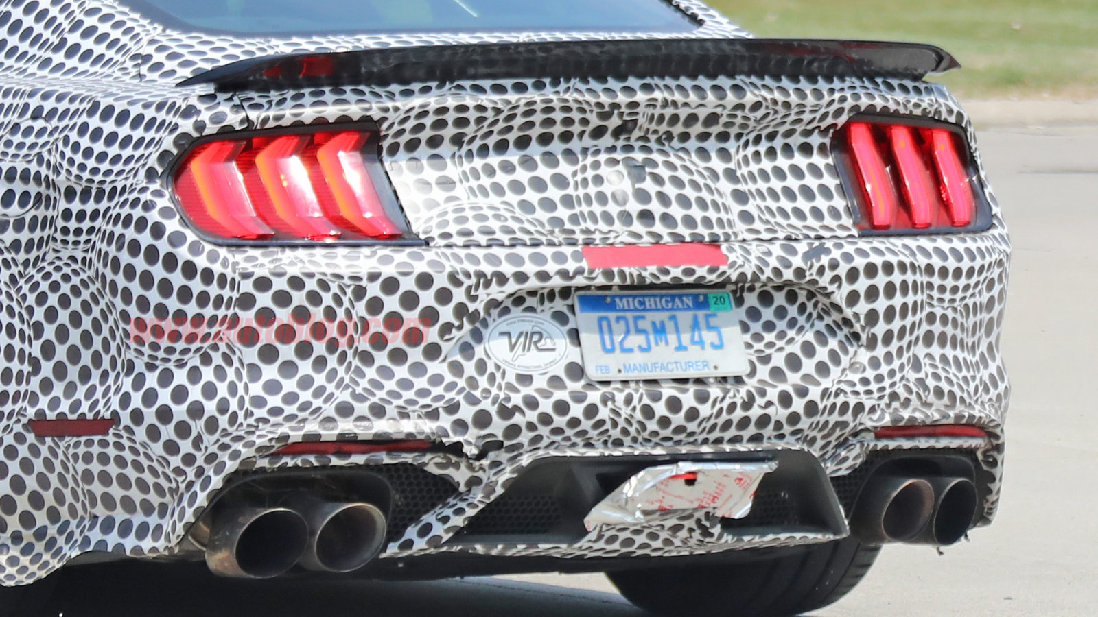 2019-ford-mustang-shelby-gt500-18-1.jpg