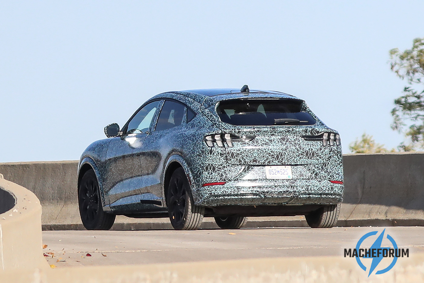 2020-Ford-Mach-E-Battery-Electric-Mustang-Inspired-SUV-First-Look-9.jpg