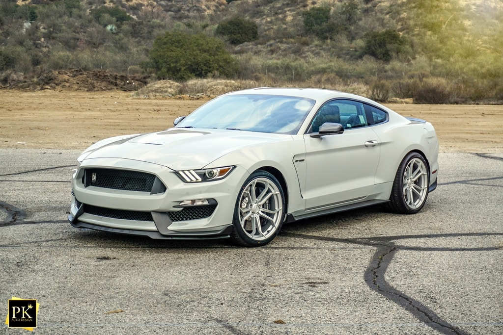 ALANCHE-GREY-FORD-MUSTANG-SHELBY-GT350-S550-AVANT-GARDE-M632-DEEP-CONCAVE-SILVER-MACHINED-WHEELS.jpg
