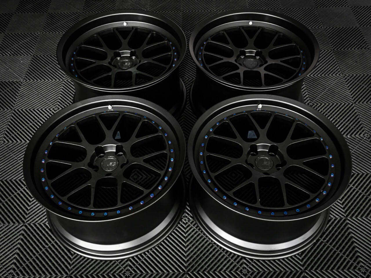 BC-FORGED-LE72-FORGED-MESH-CONCAVE-BLACK-WHEELS.jpg