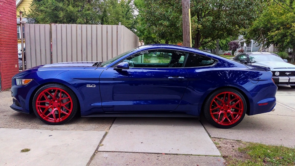 DEEP-IMPACT-BLUE-FORD-MUSTANG-GT-S550-MRR-FS01-MESH-CONCAVE-RED-WHEELS-1.jpg