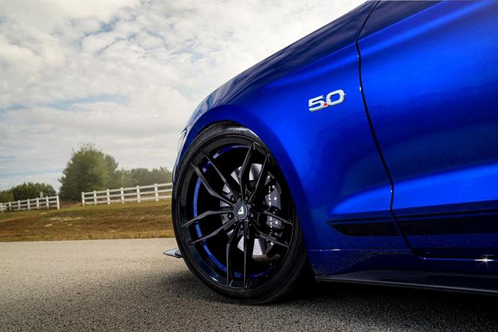 deep-impact-blue-ford-mustang-gt-s550-vorsteiner-vff105-gloss-black-rotory-forged-wheels.jpg