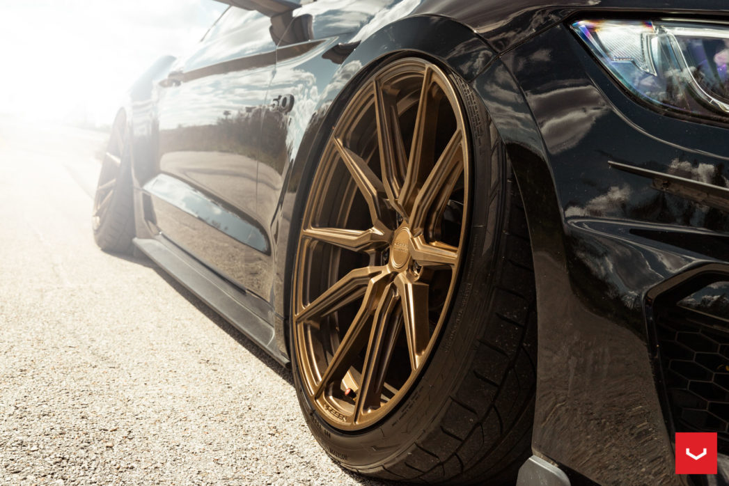 Ford-Mustang-Hybrid-Forged-HF-3-%C2%A9-Vossen-Wheels-2019-1006-1047x698.jpg