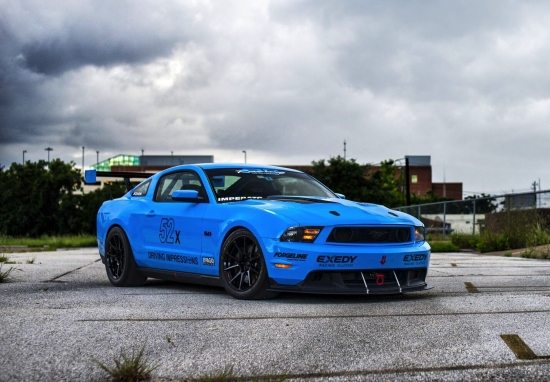 FORD-MUSTANG-S197-GRABBER-BLUE-GT-FORGELINE-GS1R-MONOBLOCK-CONCAVE-FORGED-BLACK-WHEELS.jpg