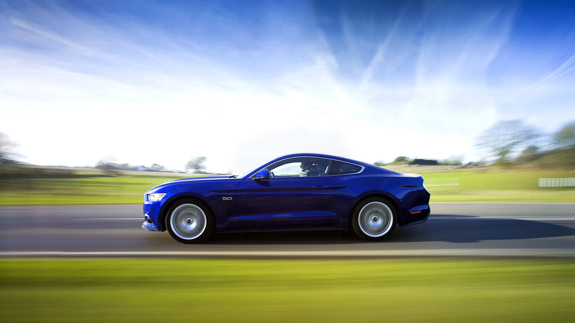 ford_mustang_gt_fastback_51.jpeg