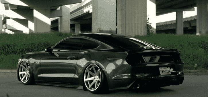 guard-green-forged-mustang-gt-s550-ferrada-fr1-silver-machined-concave-wheels-airride.png