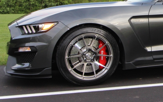 magnetic-ford-mustang-shelby-gt350-forgeline-ga1r-open-lug-transparent-smoke-forged-wheels.jpg