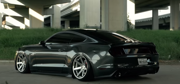 modified_2015_mustang_gt.png