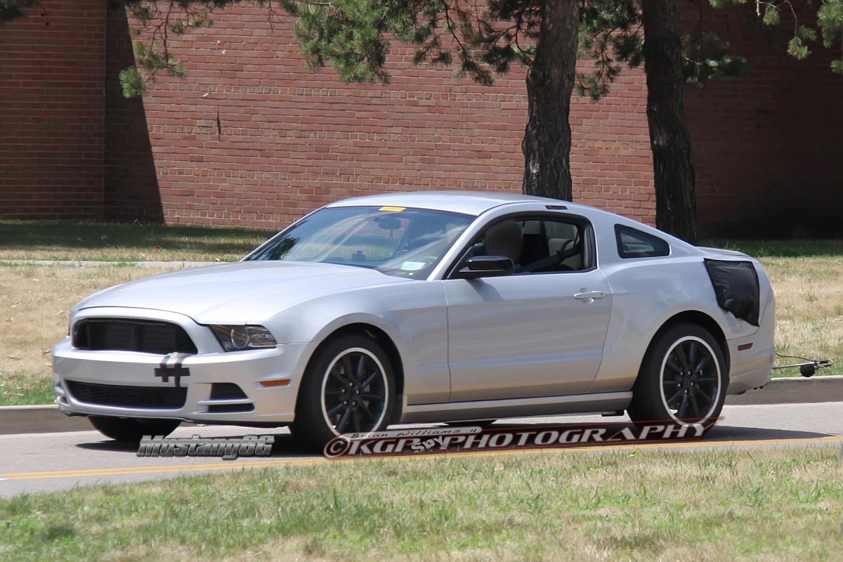 Name:  2017 Shelby GT350 Updates-3.jpg Views: 7235 Size:  79.0 KB