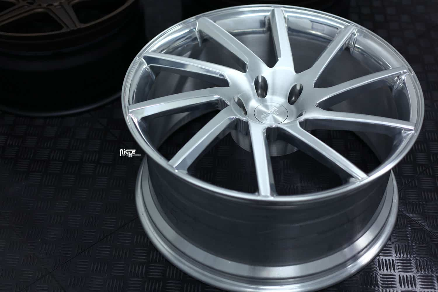 niche-forged-rs-10-concave-brushed-with-clear-wheels.jpg