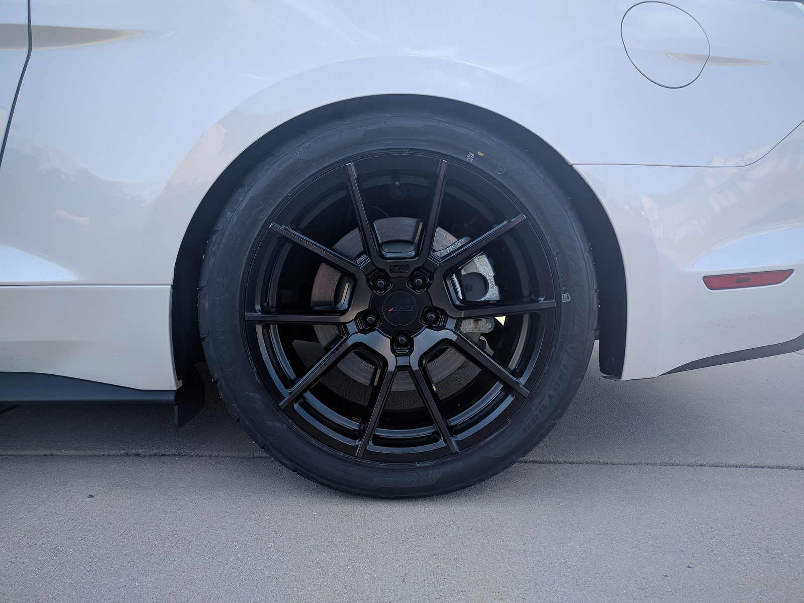 oxford-white-ford-mustang-gt-tsw-chrono-black-rotory-forged-wheels.jpg
