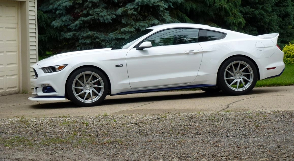 oxford-white-ford-mustang-gtpp-s550-avant-garde-f321-forged-directional-concave-wheels.jpg