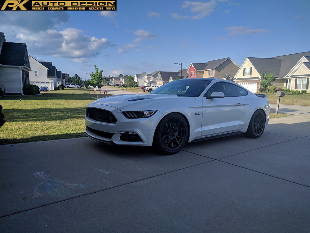 oxford-white-ford-mustang-gtpp-s550-tsw-chrono-black-machined-rotory-forged-concave-wheels.jpg