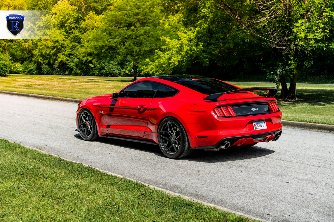 race-red-ford-mustang-gtpp-rohana-rfx11-gloss-black-rotory-forged-concave-wheels-1.jpg