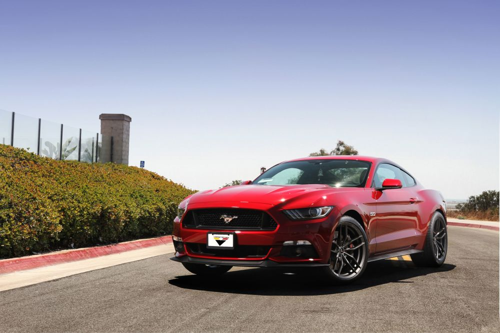 RACE-RED-FORD-MUSTANG-GTPP-S550-VORSTEINER-VFF105-CARBON-GRAPHITE-CONCAVE-MUSTANG-WHEELS-1.jpg