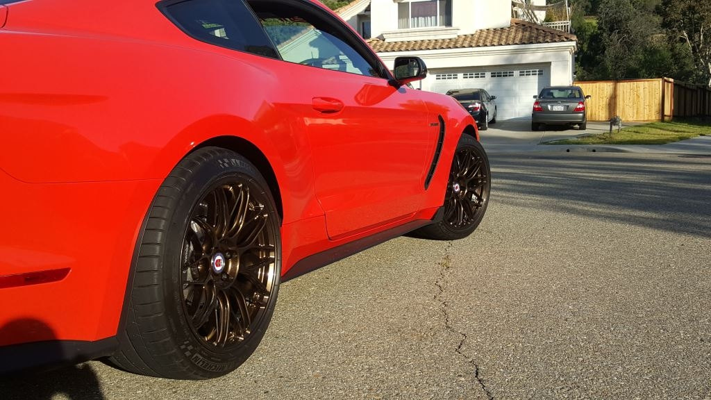 race-red-ford-mustang-shelby-gt350-hre-rc100-gloss-bronze-concave-mesh-wheels.jpg