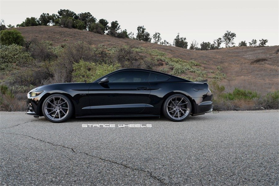 SHADOW-BLACK-FORD-MUSTANG-GT-S550-STANCE-SF01-DIRECTIONAL-BRUSHED-TITANIUM-CONCAVE-WHEELS.jpg