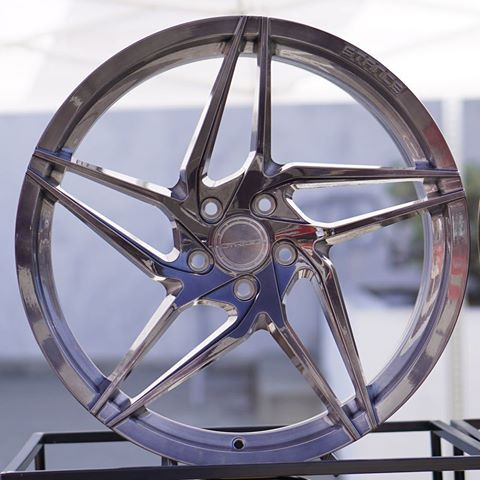 STANCE-SF04-DIRECTIONAL-ROTORY-FORGED-LIGHTWEIGHT-WHEELS-1.jpg