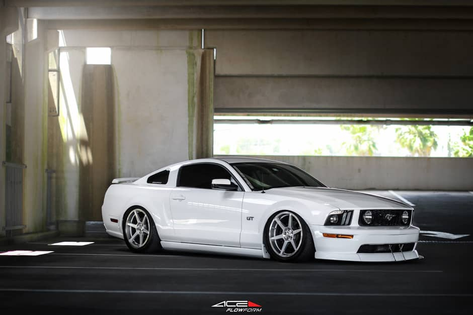 t-white-ford-mustang-gt-s197-ace-alloy-aff06-liquid-silver-machined-concave-rotory-forged-wheels.jpg
