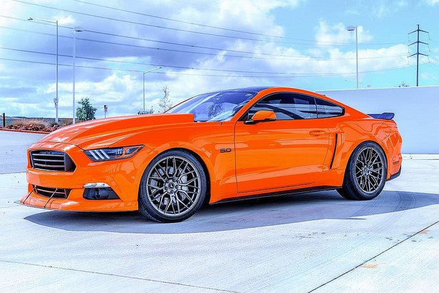 tition-orange-ford-mustang-gtpp-s550-vorsteiner-vff107-cabron-graphite-mesh-rotory-forged-wheels.jpg