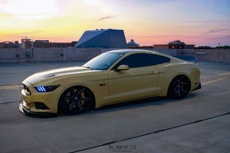 triple-yellow-ford-mustang-gtpp-s550-ace-alloy-aff06-flow-formed-gloss-black-concave-wheels.jpg