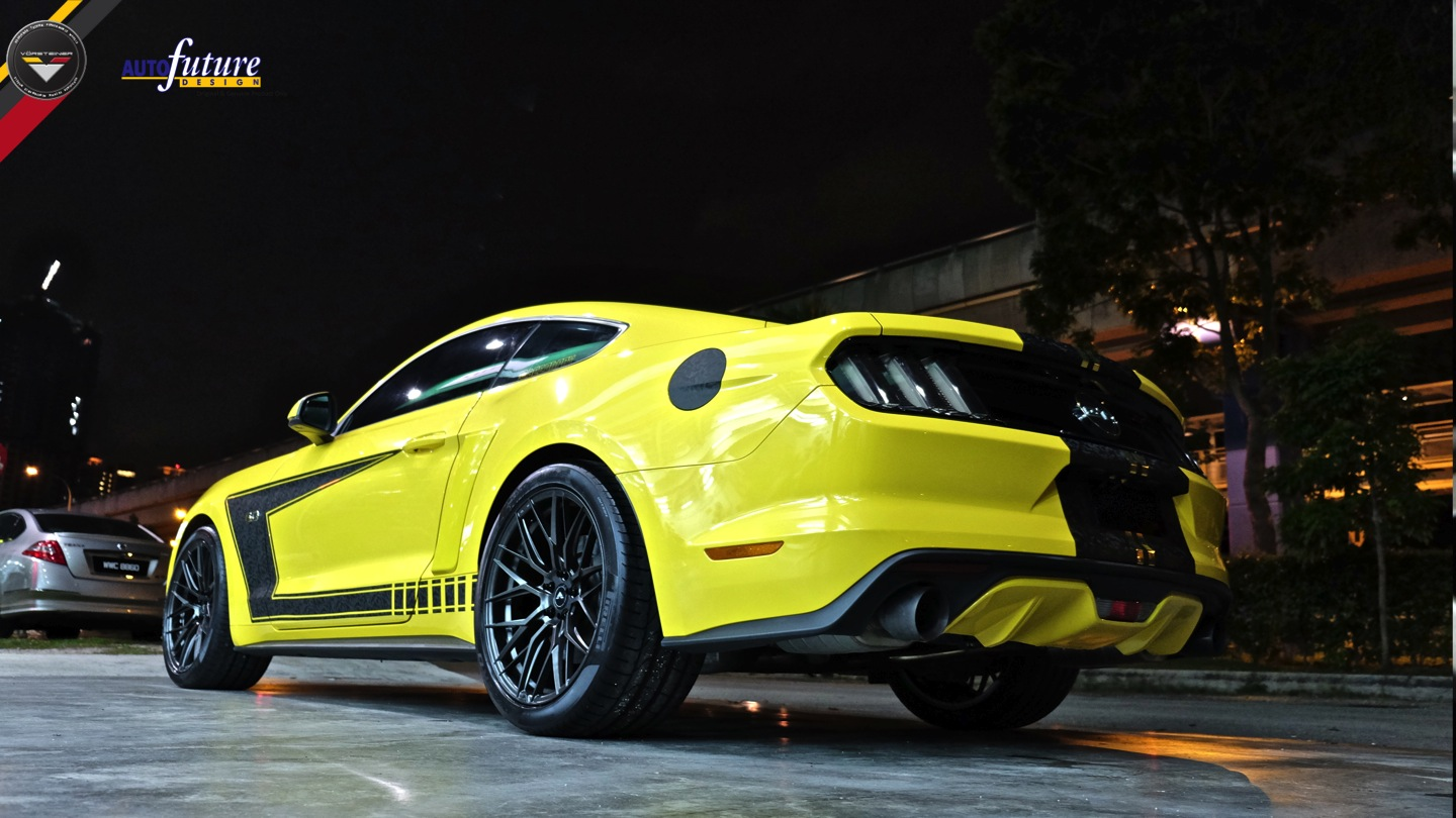 triple-yellow-ford-mustang-gtpp-vorsteiner-vff107-carbon-graphite-concave-rotory-forged-wheels.jpg
