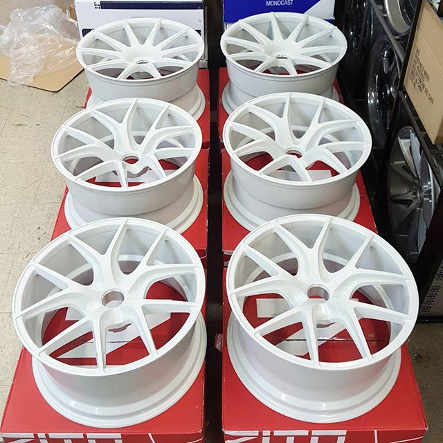 zito-zs05-zs15-deep-concave-white-wheels.jpg