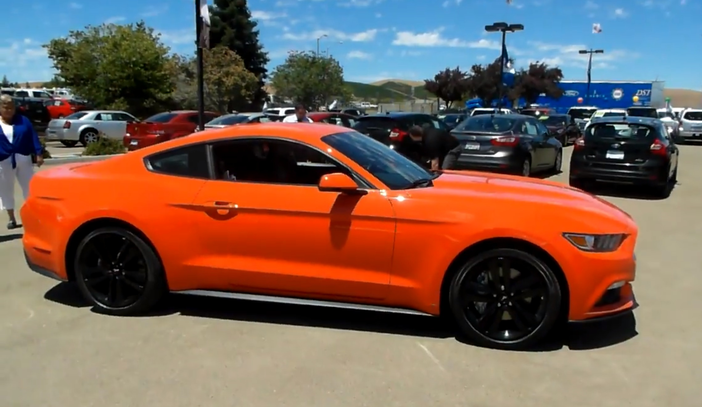 competition orange 2015 mustang arrives at livemore ford for sneak peek 2015 mustang forum. Black Bedroom Furniture Sets. Home Design Ideas