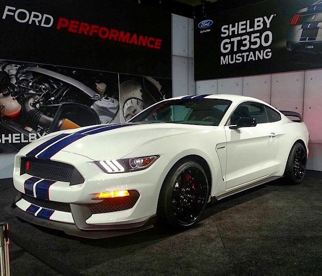 First Shelby GT350R Mustang Sold For $1M At Barrett