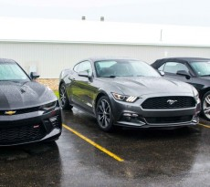 2016 Mustang vs 2016 Camaro